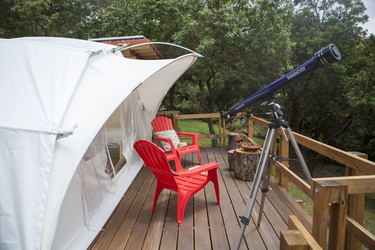 turism-colombia-glamping-forest